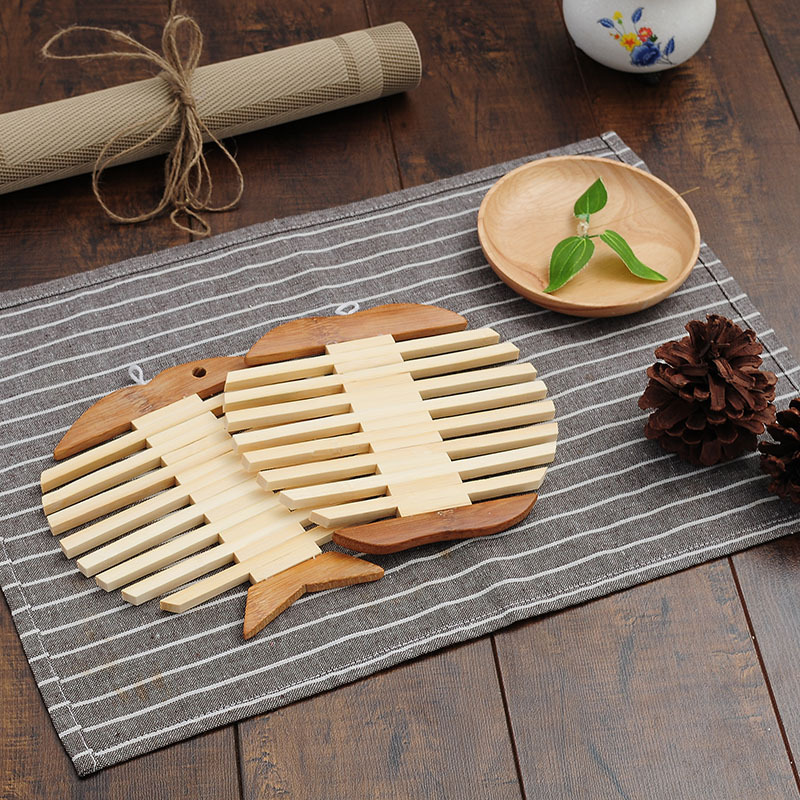 Creative Wooden Fish Placemat Apple Kitchen Insulation Pads Round Bowl Mat Anti-hot Pan Mat