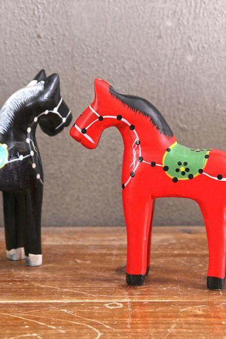 Fashion Wooden Manual Engraving Painted Horse Creative Home Decoration